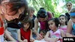 Оппозиция о намерении мэрии сделать дошкольные учреждения платными предупреждала еще в январе этого года, однако тогда представители сакребуло опровергли эту информацию