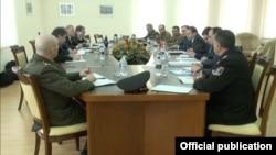 Делегация НАТО в Министерстве обороны Армении, Ереван, 12 марта 2014 г.