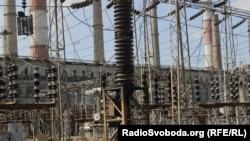 Луганская ТЭС в городе Счастье, который под контролем Украины