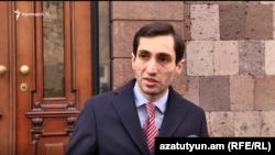 Руководитель оппозиционной фракции «Луйс» Совета старейшин Еревана Давид Хажакян