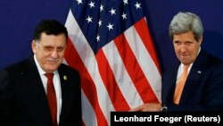 Fayez al-Sarraj i John Kerry u Beču, svibanj 2016.