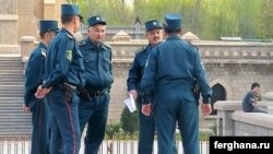 Uzbek police officers have been told to shape up or get put. (file photo)