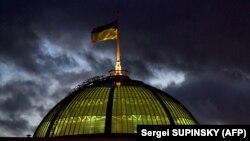 Депутат: зранку 26 березня має відбутися зустріч фракції «Слуги народу»