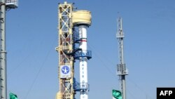 Иран орбитага өзү жасаган алгачкы спутникти учурушу бир катар Батыш өлкөлөрүн тынчсыздандырды.