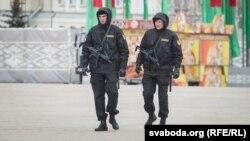 Узброеныя амапаўцы ў цэнтры сталіцы