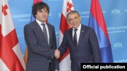 Спикеры парламентов Армении и Грузии - Ара Баблоян (справа) и Ираклий Кобахидзе, Тбилиси, 25 сентября 2017 г.
