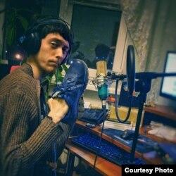 Ігор Анісімов у своїй домашній студії