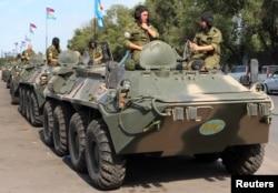 "БТР-80 на учениях ""Нерушимое братство"" в Киргизстане в июле 2014 г."