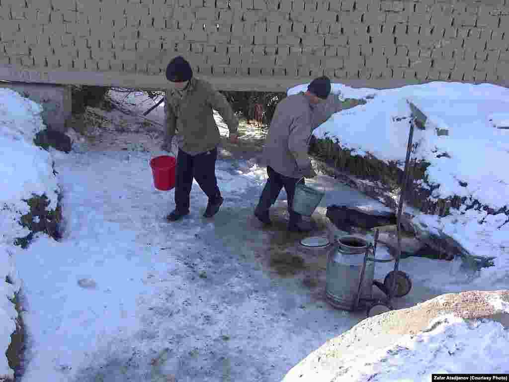 Зимой питьевую воду берут из открытых источников