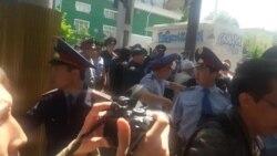 Almatyda aktiwistleri tutýarlar