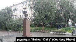 Памятник Валентине Терешковой в Улан-Удэ