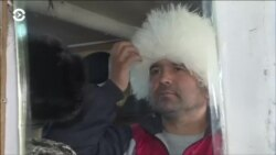 "Новая мода в Душанбе: белая папаха ""под Хабиба"""