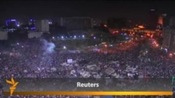 Crowds Fill Tahrir Square As End Of Ultimatum Nears