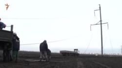 Активисты ведут наблюдение за ремонтом ЛЭП в Чаплинке (видео)