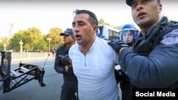 Ниямеддин Ахмадов в момент задержания