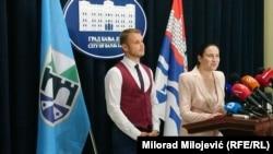 Prvi susret gradonačelnice Sarajeva Benjamine Karić i gradonačelnika Banjaluke Draška Stanivukovića u Banjaluci, 22. juni 2021.