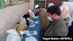 Один из избирательных участков в Джалал-Абадской области. 4 октября 2020 года.