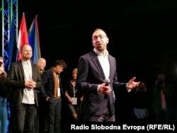 Tomašević je dugogodišnji ekološki aktivist i inicijator i sudionik niza prosvjeda protiv privatizacije javnih prostora u Zagrebu