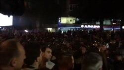 Судири меѓу демонстрантите и полицијата пред Собрание