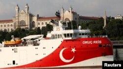 """Проучвателният кораб """"Оруч Рейс"""" отново ще бъде изпратен в оспорваните между Туция и Гърция териториални води"""