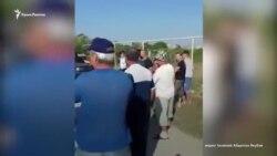Обыски в Крыму: российские силовики пришли к жителю поселка Кировское (видео)