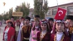 Поїхати зі своїми ансамблями в Крим ми не можемо, а хотілося б – кримчанка (відео)