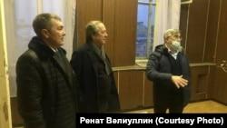 Ренат Вәлиуллин, Рәис Яркәев һәм Васил Шәйхразиев яңа бина белән таныша