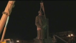 გორში სტალინის ძეგლი მოხსნეს