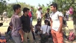 Див камп на мигранти на границата меѓу Србија и Хрватска