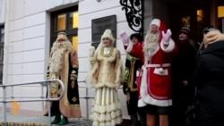 Казанда Кыш Бабай Санта Клаус белән очрашты