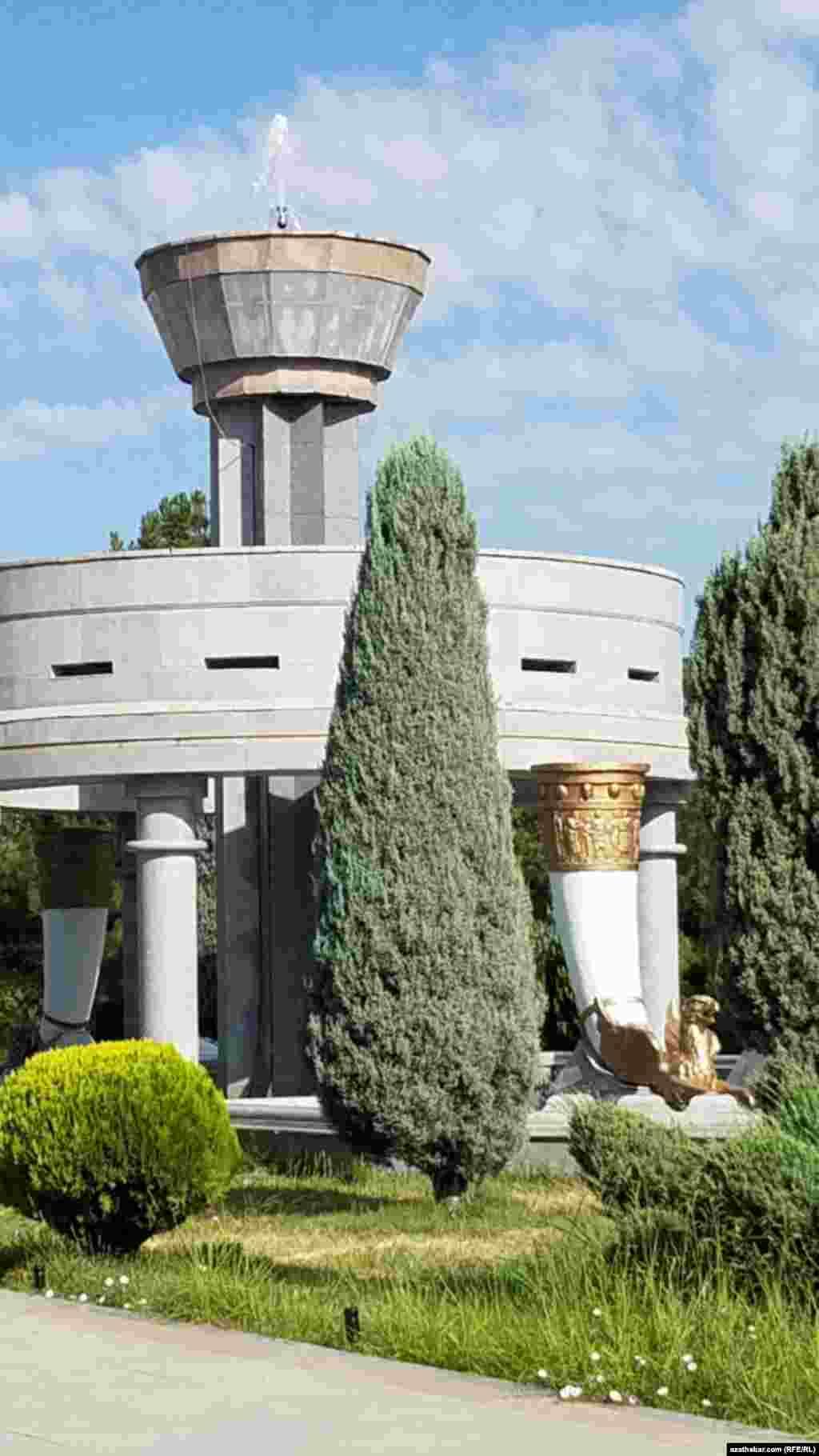 Ашхабадские фонтаны зачастую не функционируют
