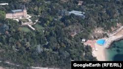 Funcționarii din guvern folosesc această reședință de stat de pe coasta Mării Negre pentru vacanțe subvenționate de contribuabilii bulgari. Banca Mondială spune că a raportat o pierdere de $350,000