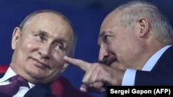Владимир Путин и Александр Лукашенко (архивное фото)