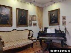 Expoziția permanentă la Muzeul Casa Mureșenilor.