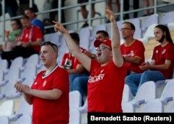 Hazai szurkolók a Magyarország - Írország barátságos labdarúgó-mérkőzésen a Szusza Ferenc Stadionban, 2021. június 8-án