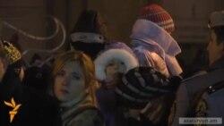 Վառվել են Երևանի գլխավոր տոնածառի լույսերը