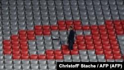 Üres lelátó a Szeptember 18-i Bayern-Schalke zárt kapus meccsen Münchenben.