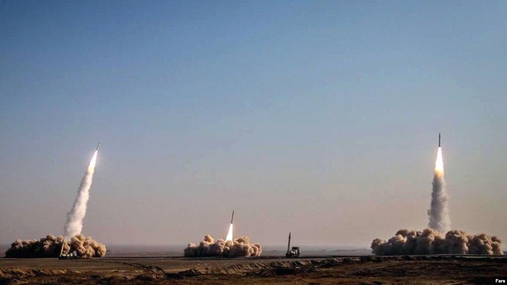 تصویری که خبرگزاری فارس از رزمایش موشکی سپاه منتشر کرده است