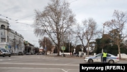 Автомобіль ДПС на площі Суворова, Севастополь