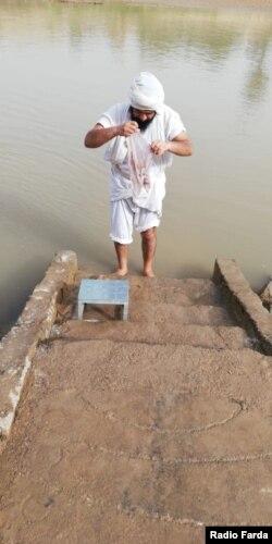 اجرای مراسم تعمید در ایام پروانایا در سکوی تعمیدی یحیی در سوسنگرد