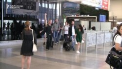 First Ukrainian Passengers Without Visas Arrive At Prague Airport