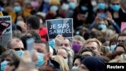 Manifestație în memoria profesorului Samuel Paty, victima unui atentat, Paris, 18 octombrie 2020