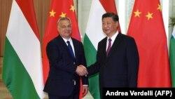 Mađarski premijer Viktor Orban i kineski predsednik Si Đinping na sastanku u okviru drugog Foruma pojas i put, Peking, 25. april 2019