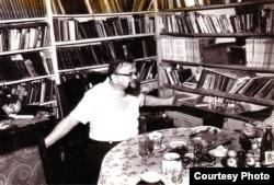 Револьт Пименов в своей квартире в Сыктывкаре