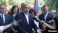 Armenia - Bright Armenia Party leader Edmon Marukian speaks with journalists, Yerevan, June 11, 2021.