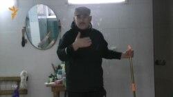 Житель поселка Мирный Михаил Барангулов