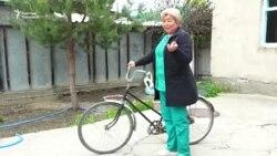 Жаш-кары дебей велосипед тепкен айылдыктар