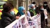 Пикеты у консульства Китая в Алматы: полиция оттесняет протестующих