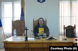 """Judecătorul și cartea lui publicată pentru uzul și beneficiul elevilor """"Elevul și legea"""""""