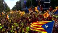 Стотици илјади Каталонци на улиците на Барселона